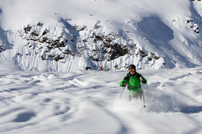 b2ap3_thumbnail_Meribel-Powder-Skiing-4.jpg