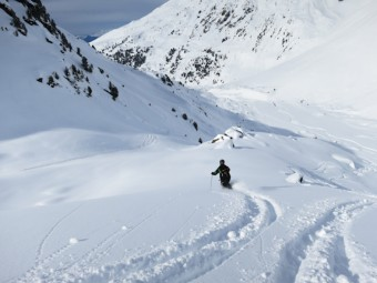 Powder skiing on Mont Vallon
